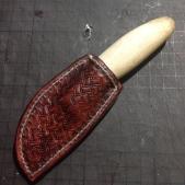 Etui pour mini mora, ideal pour la découpe du cuir